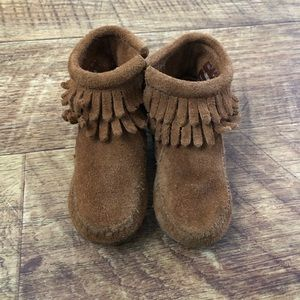 Minnetonka Moccasin Booties - size 6 toddler